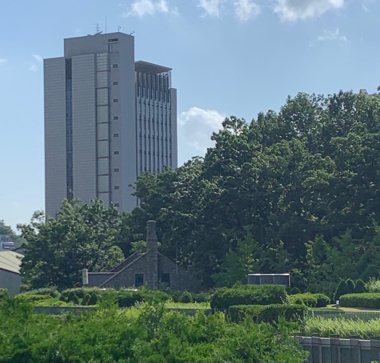 이화여자대학교 국제교육관.jpg