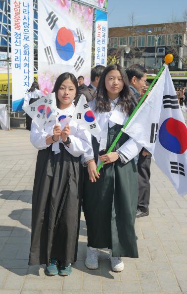 기전여고 1학년-선나은,김은하.PNG