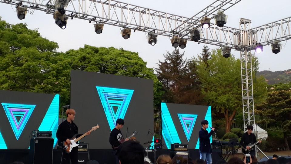 서울대 공연 기사 사진 1.jpg